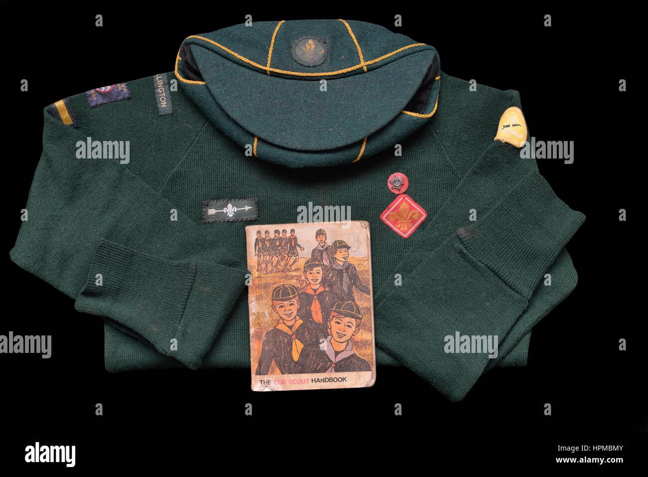 UK Cub Scout handbook and uniform circa 1970's - Stock Image