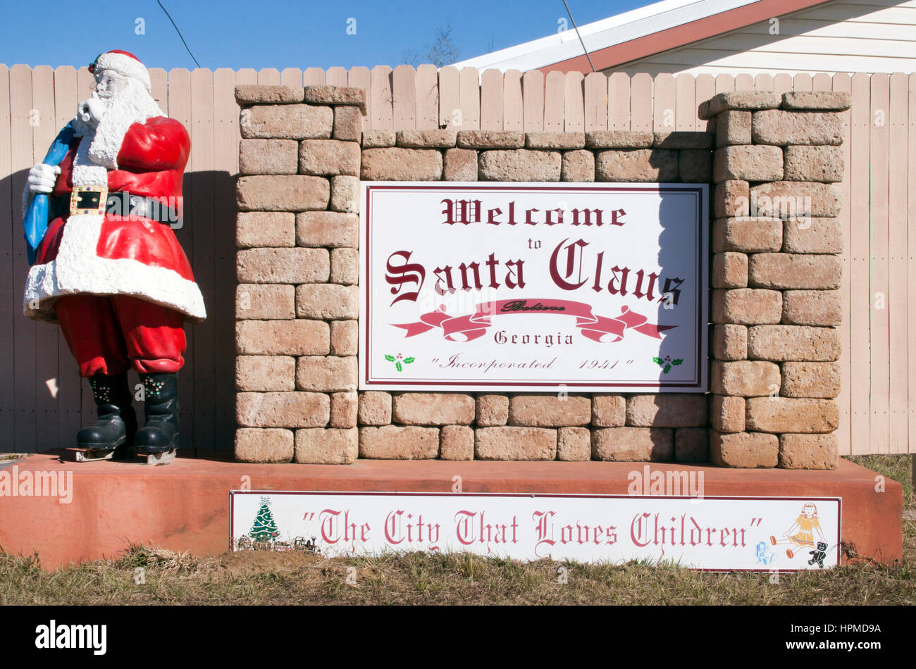 Welcome to Santa Claus Georgia sign - Stock Image