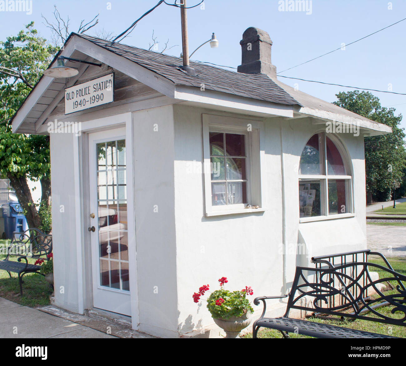 Worlds Smallest Police Station in Ridgeway South Carolina - Stock Image