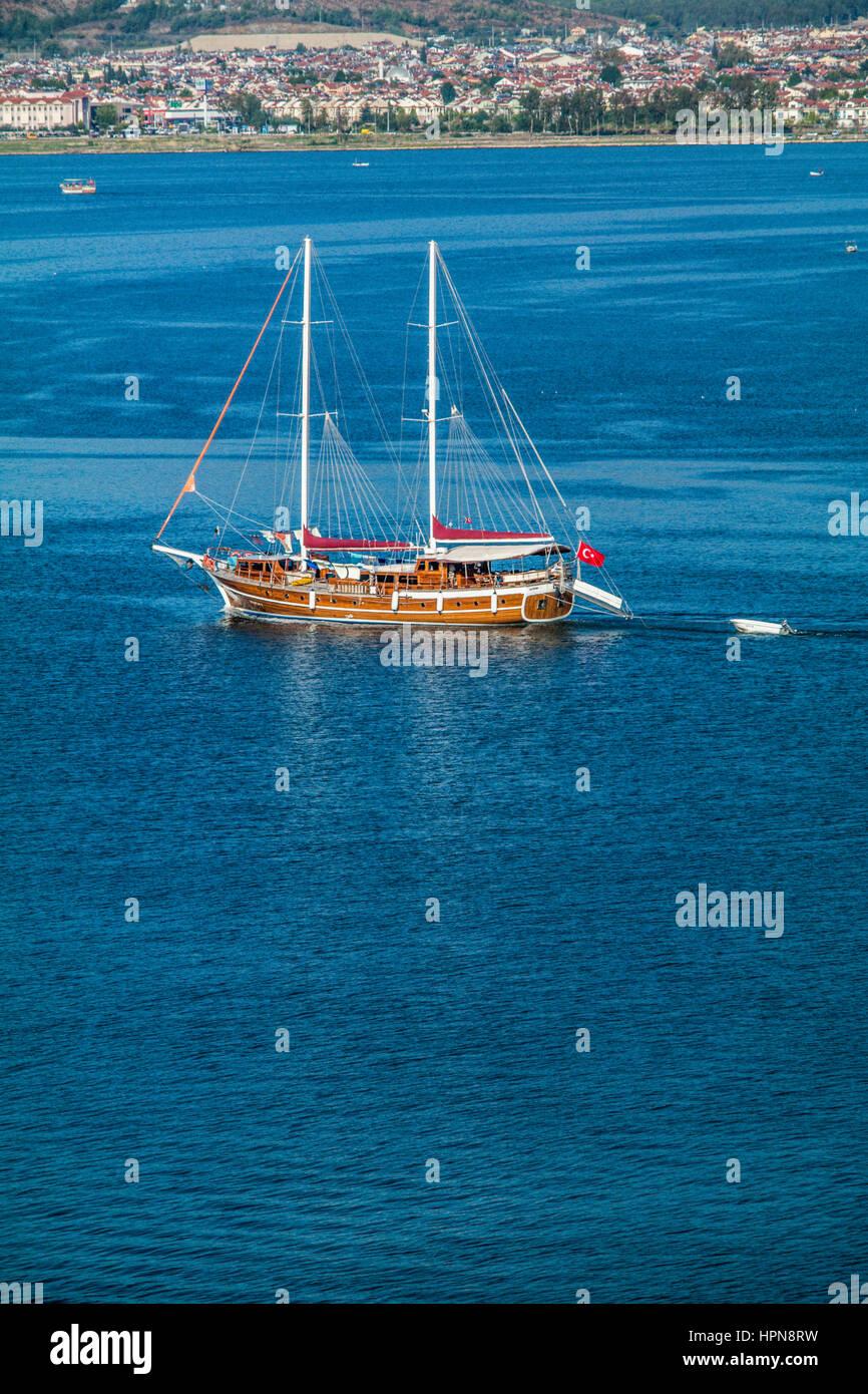 fethiye yacht cruises, blue cruise gulets boats,private cruise yachts, fethiye yat turlari, ozel mavi tur guletleri, - Stock Image