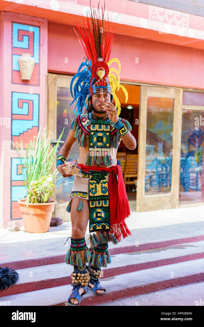 Teotihuacan, FEB 17: Traditional performance dressed up in Indian on FEB 17, 2017 at Teotihuacan, Mexico - Stock Image