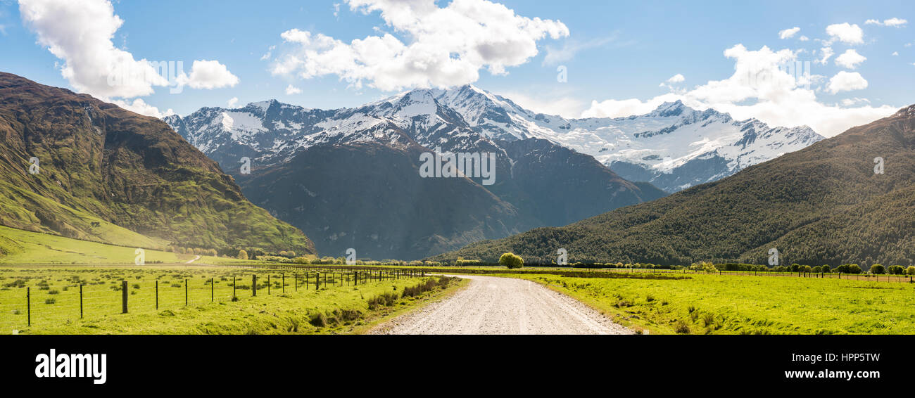 Matukituki Valley, Road to Mount Aspiring, Mount Aspiring National Park, Otago, Southland, New Zealand - Stock Image