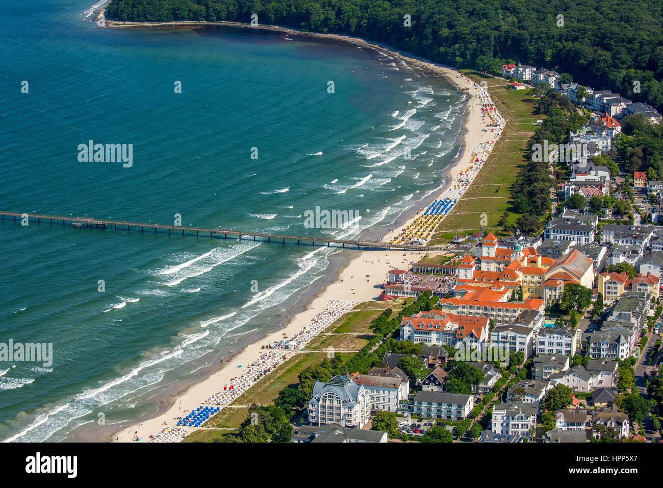 Beach with spa house, Baltic seaside resort Binz, Baltic coast, Mecklenburg-Western Pomerania, Germany - Stock Image