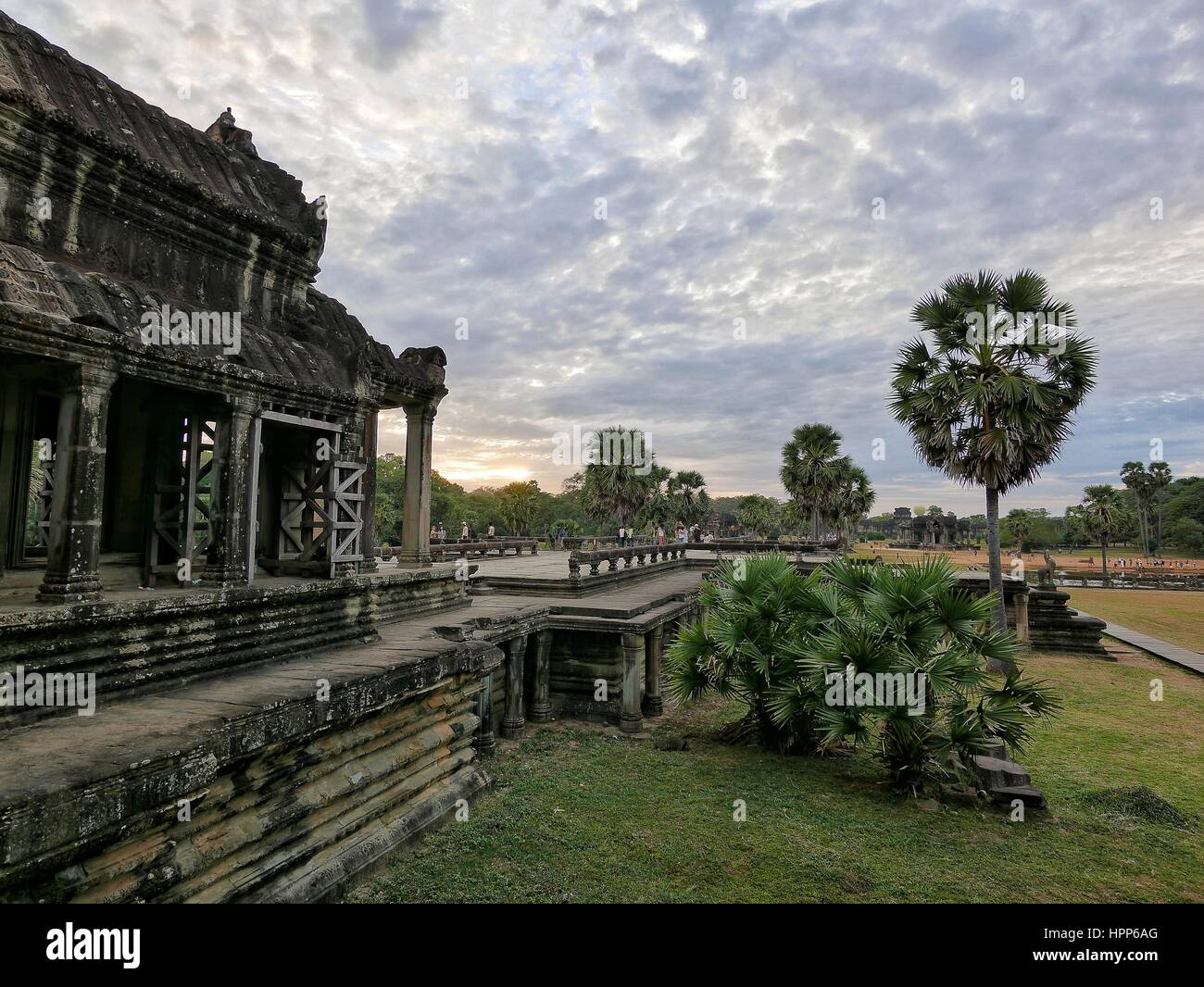 Patio inner courtyard view to the sunset at angkor wat - Stock Image