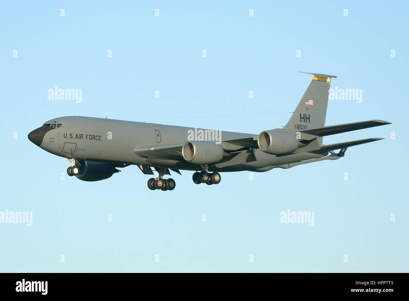 Rare appearance in the UK by a Hawaii Air National Guard KC-135R Stratotanker. Landing at RAF Mildenhall. - Stock Image