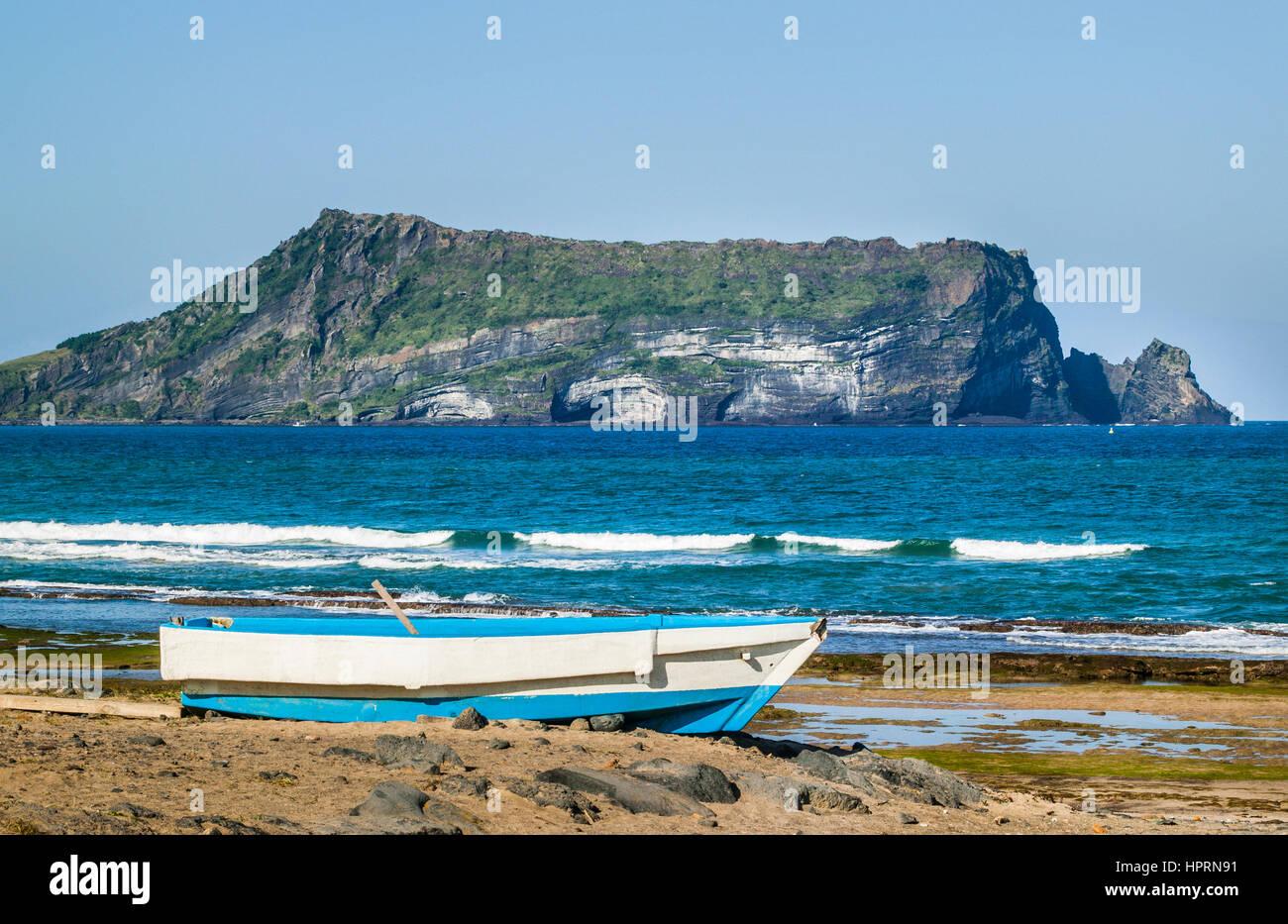 South Korea, eastern seaboard of Jeju Island, view of thw 182 metre tuff cone of Seongsan Ilchulbong Sunrise Peak Stock Photo