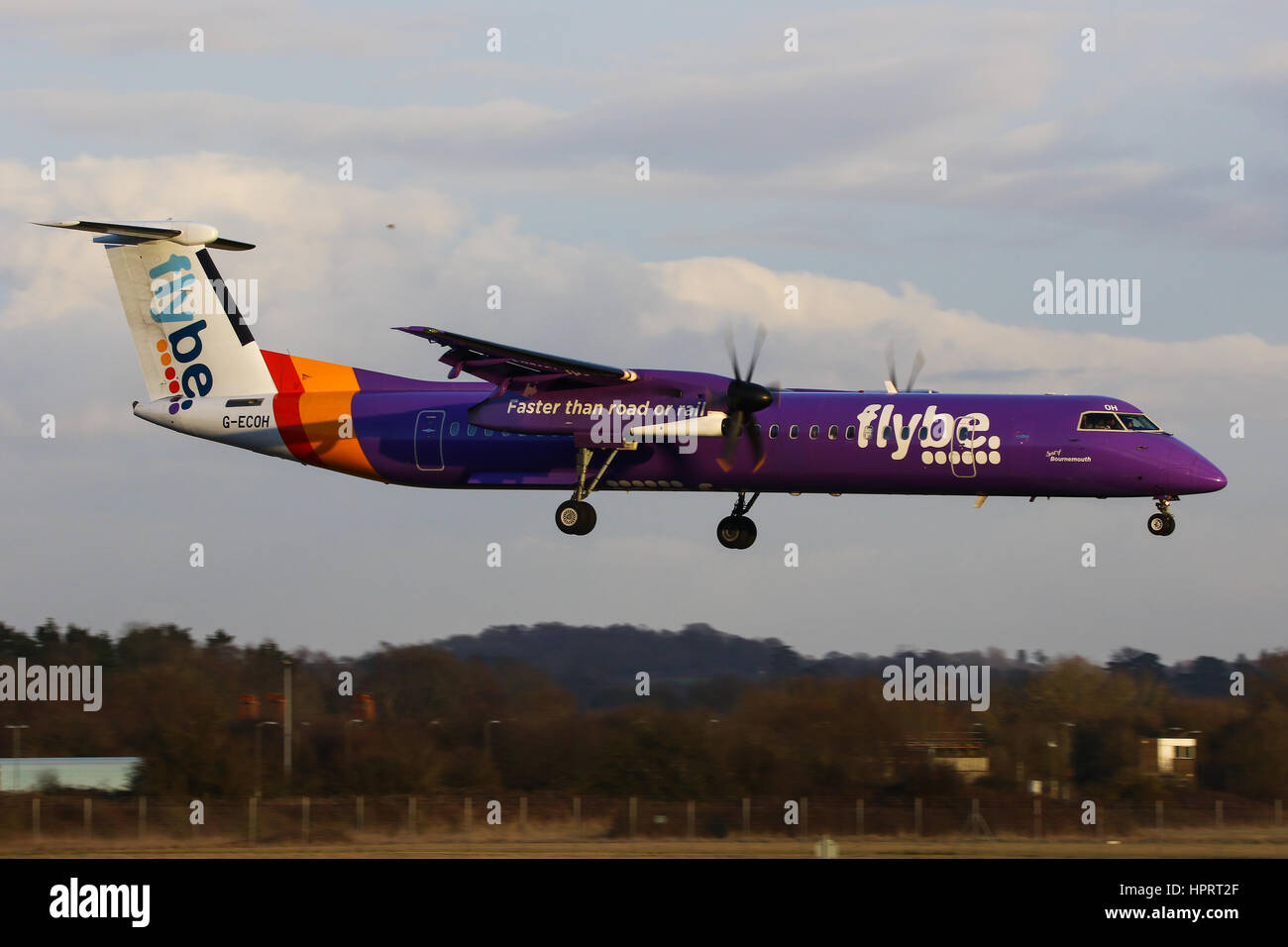 Flybe Bombardier Dash-8 Q400 G-ECOH landing at Southampton Airport - Stock Image