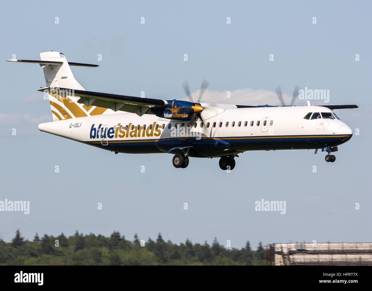 Blue Islands ATR 72-212 G-ISLI landing at Southampton Airport - Stock Image