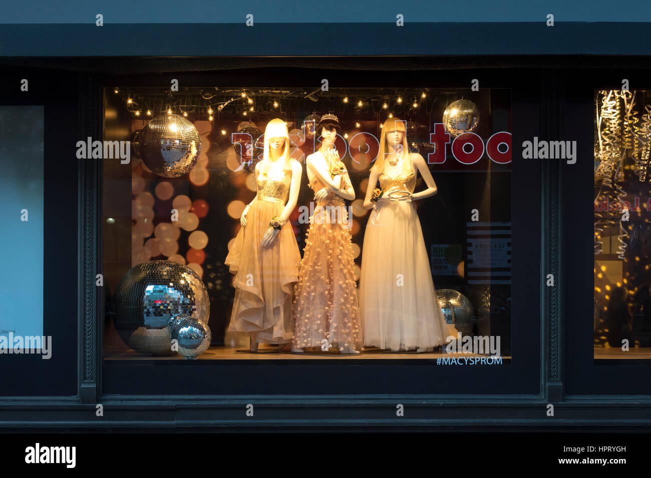 947a2ee10e2e Prom Dresses Stock Photos & Prom Dresses Stock Images - Alamy