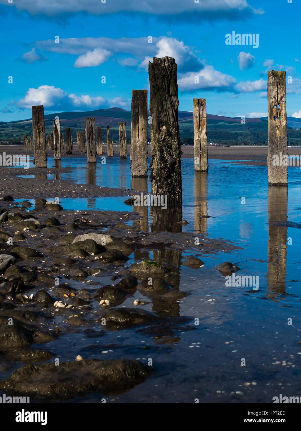 Groynes on Cunnigar beach - Stock Image