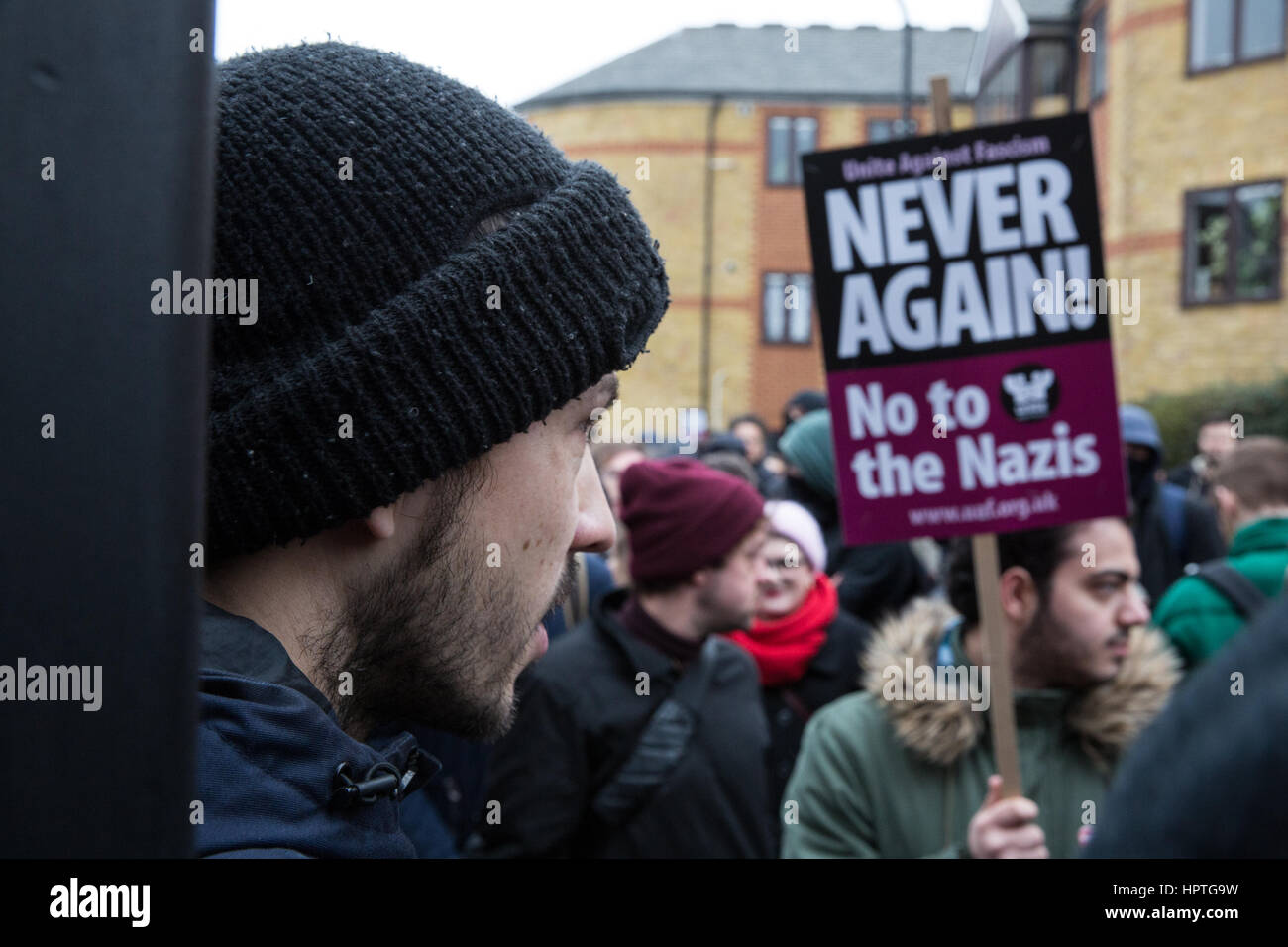 London, UK. 25th Feb, 2017. Anti-fascists contest a man standing outside the LD50 art gallery in Dalston with a Stock Photo