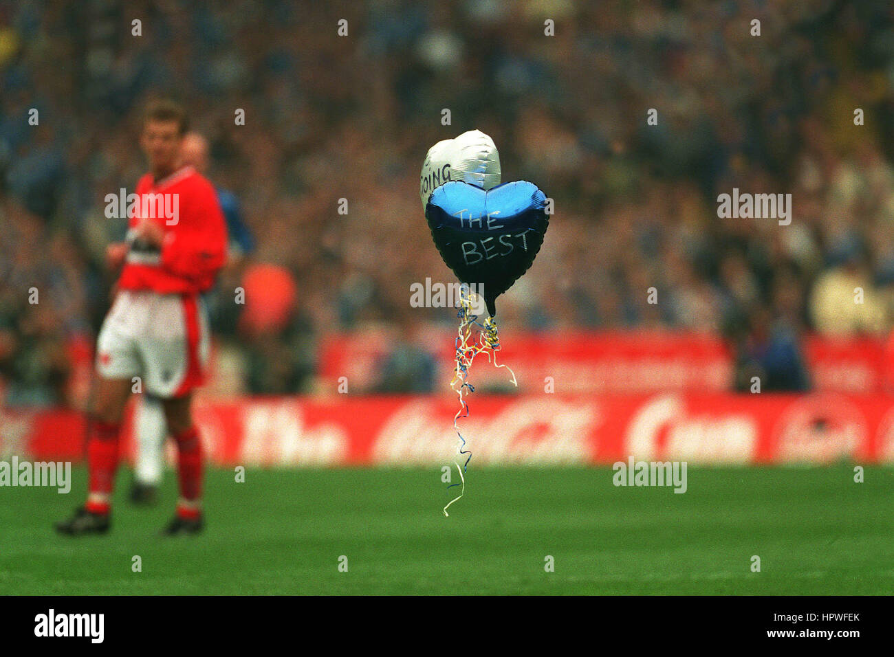 LONE CHELSEA BALOON AT FINAL COCA COLA CUP FINAL 1998 30 March 1998 - Stock Image
