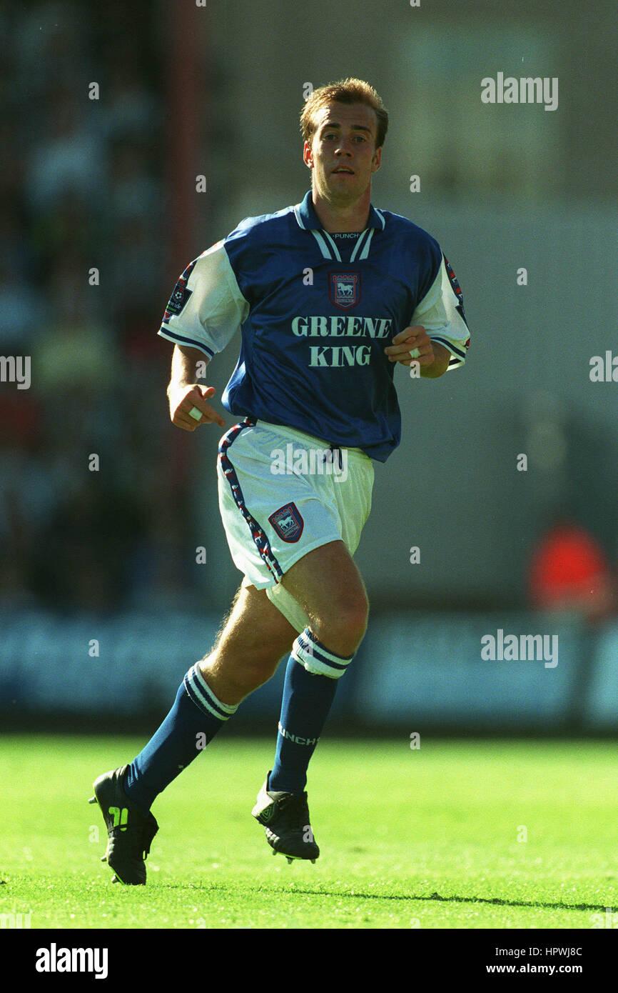 JAMIE CLAPHAM IPSWICH TOWN FC 11 August 1998 Stock Photo