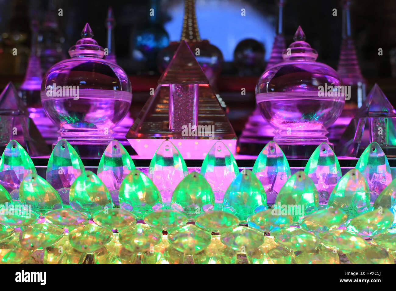 Buddhist relics made of transparent glass. / Reliques bouddhistes en verre transparent. - Stock Image