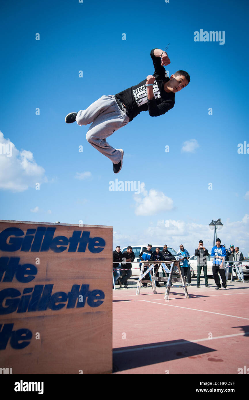 Libya, Tripli: Young guys practising parkour moves. - Stock Image