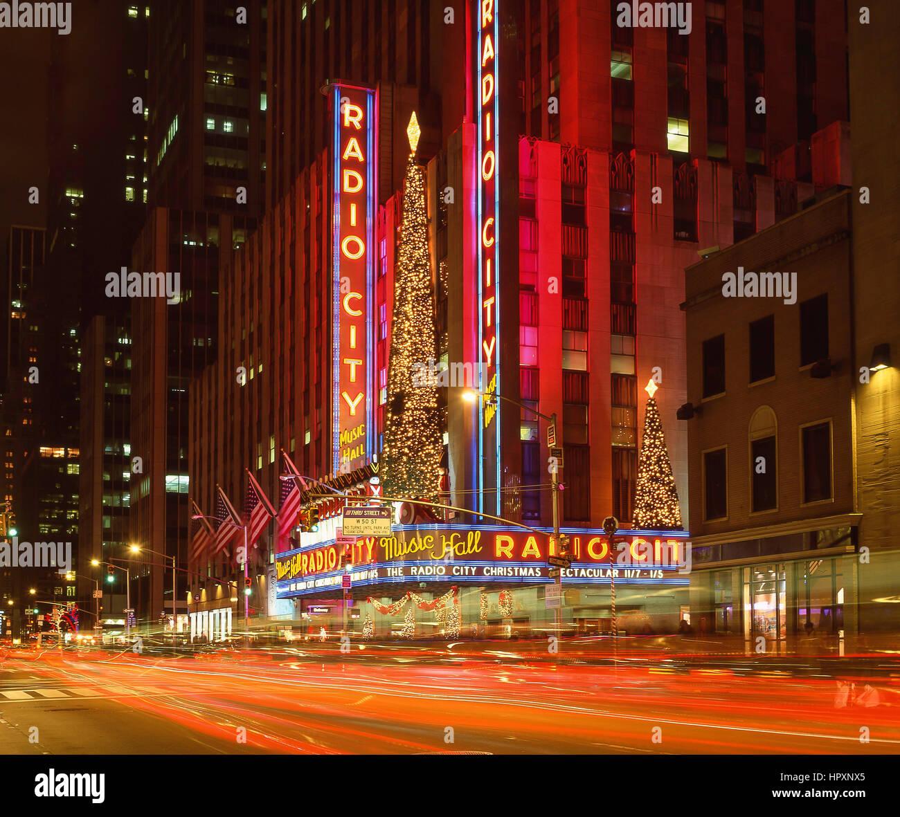 Radio City Music Hall at night, Rockefeller Center, Avenue Of The Republic, Manhattan, New York, New York State, - Stock Image
