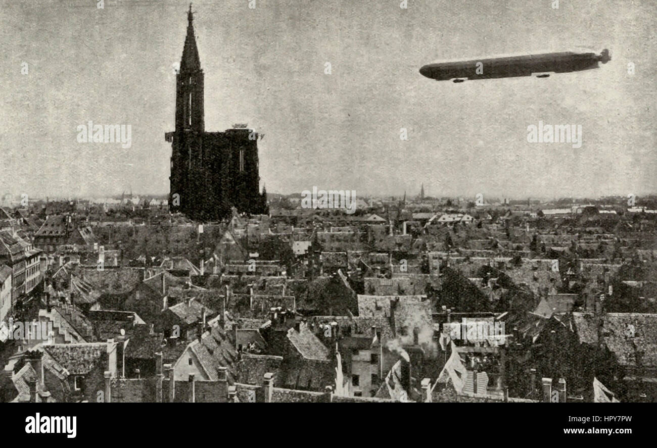 Zeppelin IV rounding Strassburg Cathedral Spire during the voyage which ended in her total destruction at Echterdingen - Stock Image