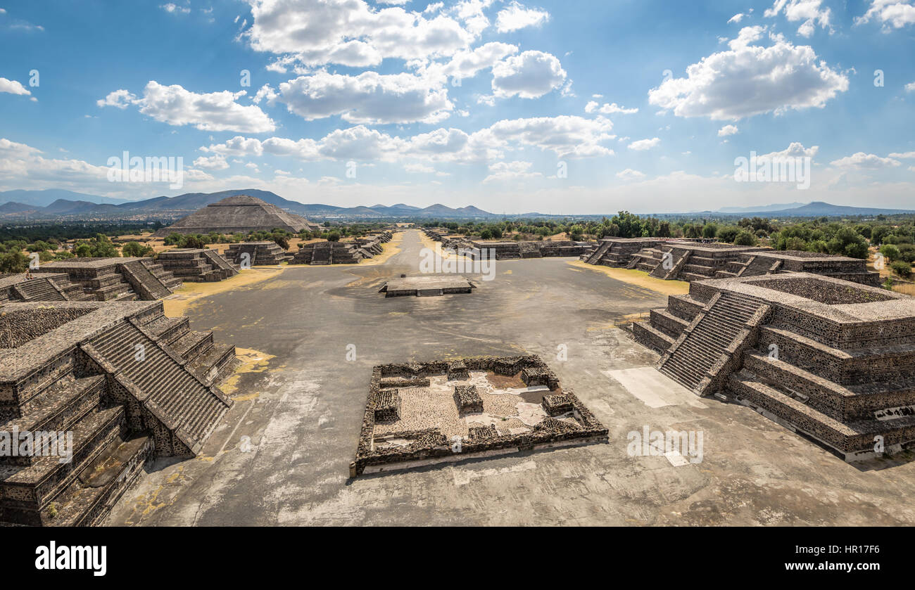 View from above of Plaza of the Moon and Dead Avenue with Sun Pyramid on Background - Teotihuacan Ruins, Mexico - Stock Image