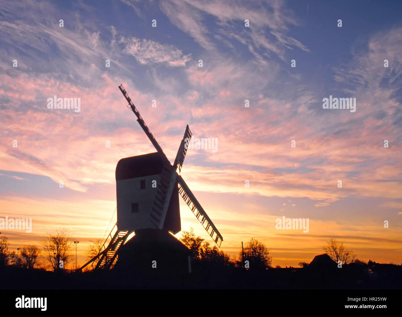 Winter Silhouette Windmill Essex Countryside Uk Village Green