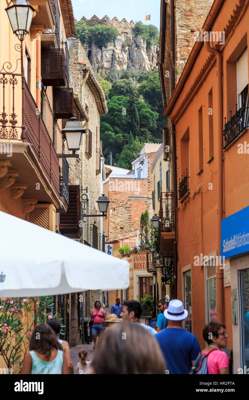 Begur street with view to Castle, Costa Brava, Spain - Stock Image