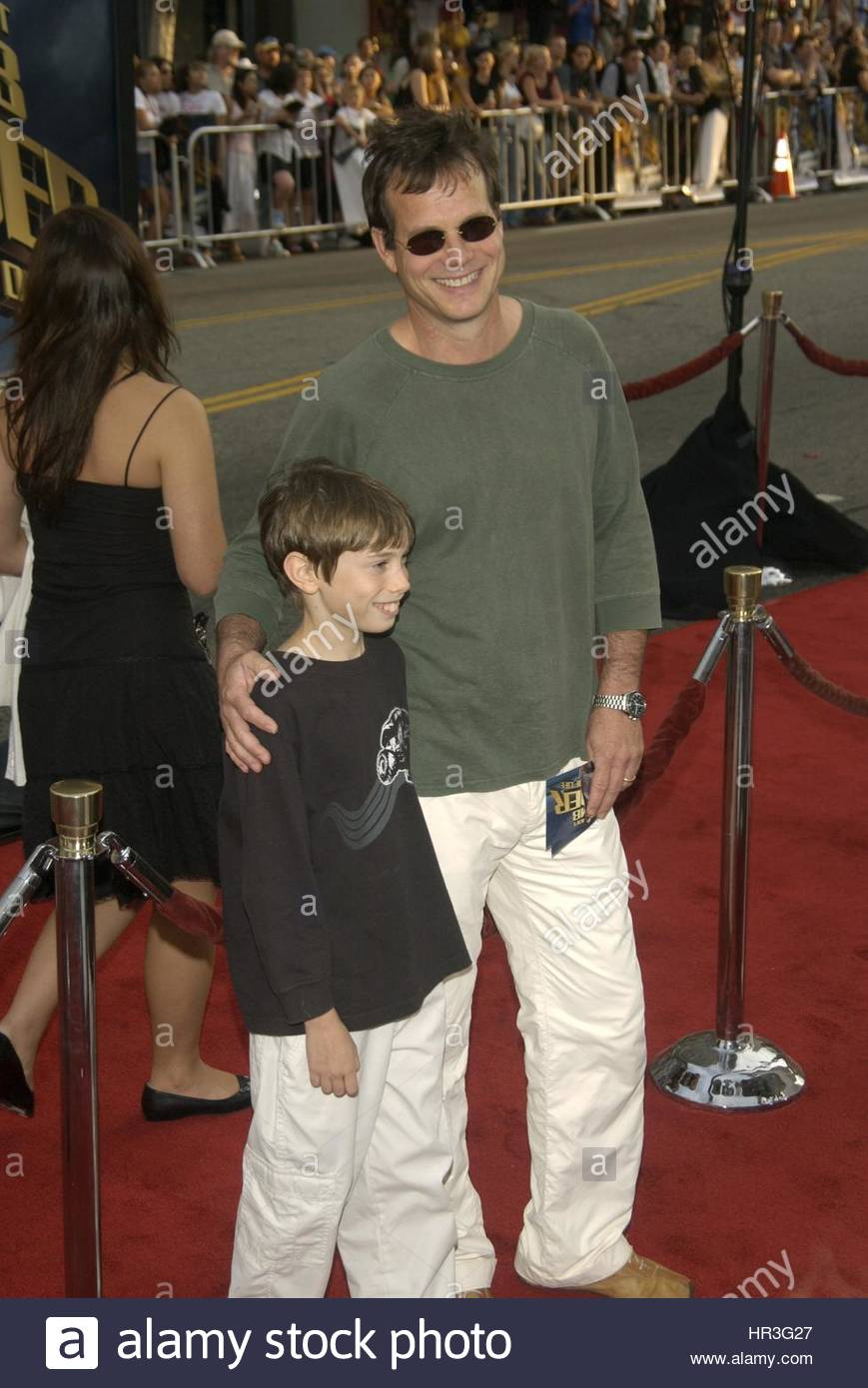Actor BILL PAXTON & son at the world premiere of Lara Croft Tomb Raider: The Cradle of Life, at Grauman's Chinese Stock Photo