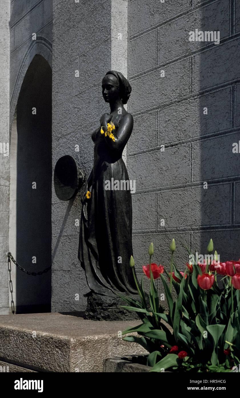 The Munich Julia-statue in the 1970s. Die Julia-Statue am Turm des Alten Rathauses in München ind den siebziger - Stock Image