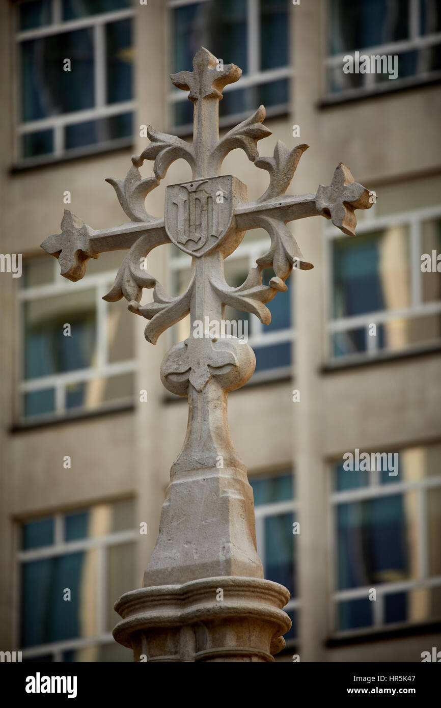 close up of the top Peter's Square cross  in Manchester city centre, The historic landmark remains of a church - Stock Image