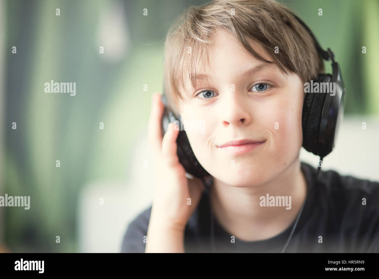 Troutdale Dining Room Child Is Listening To The Radio Stock Photos Amp Child Is