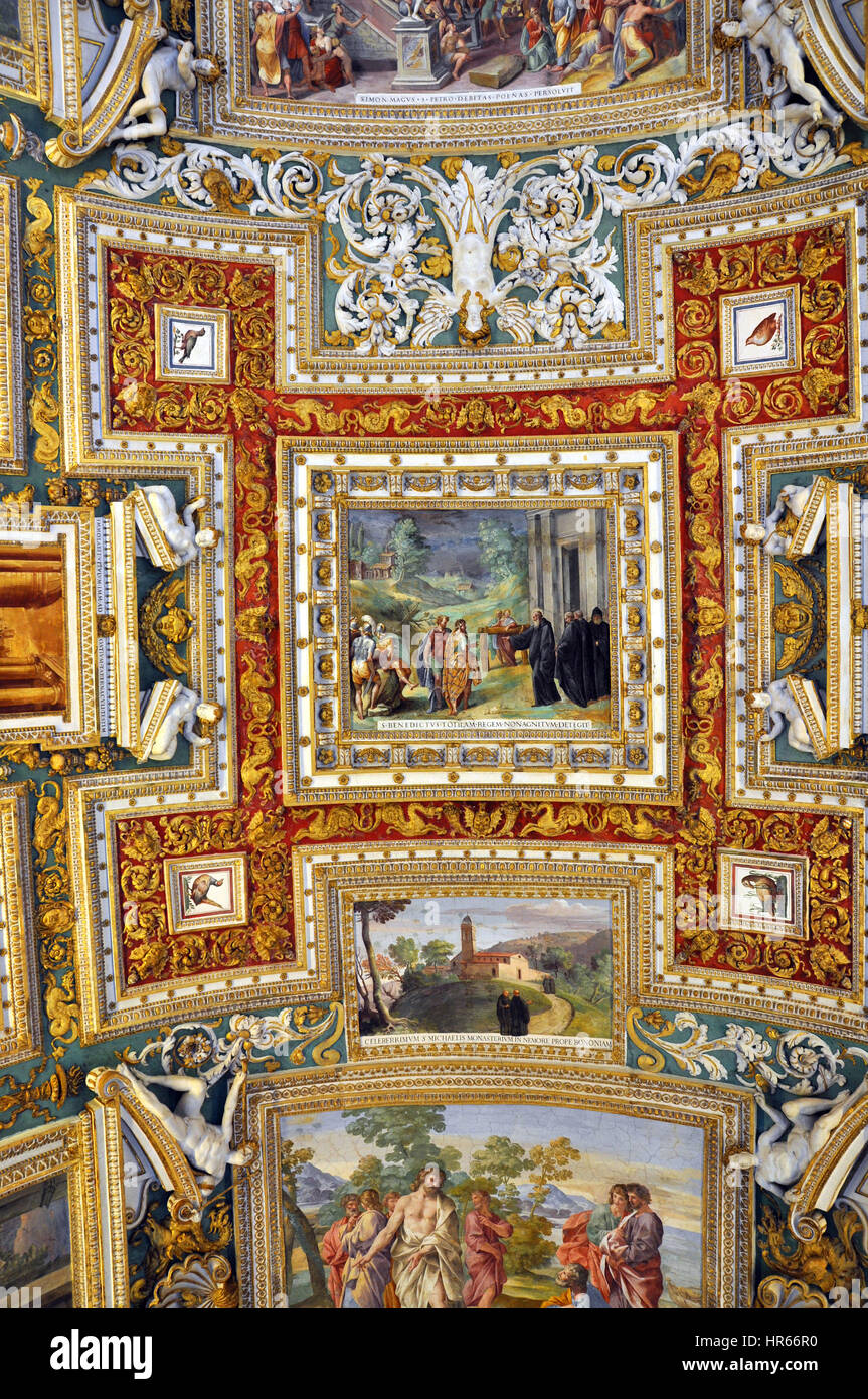 Vatican Italy March 14 2016 The Carved Ornated And Painted