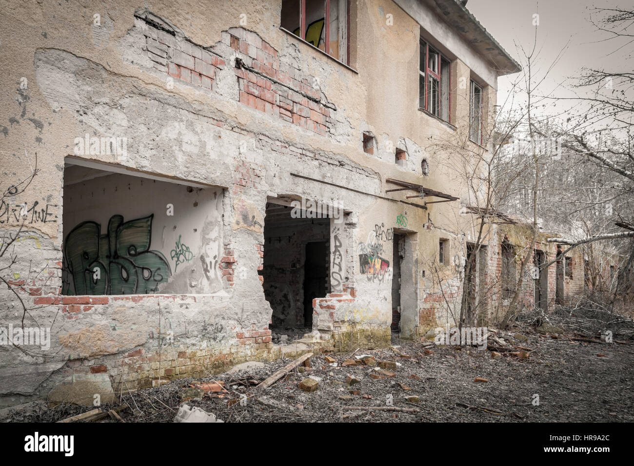 creepy abandoned house - Stock Image