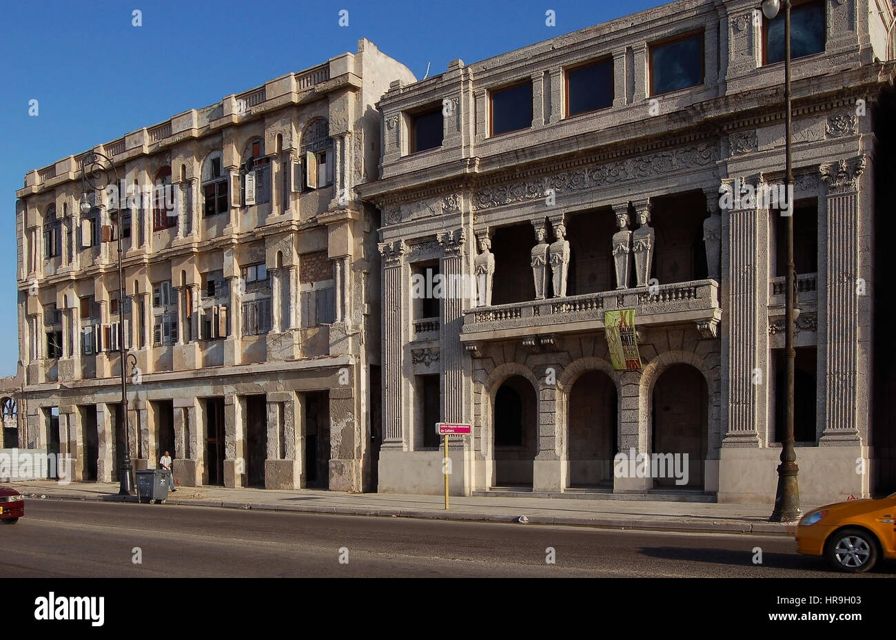 Beautiful mansions at the east end of the Malecon, Havana, Cuba - Stock Image