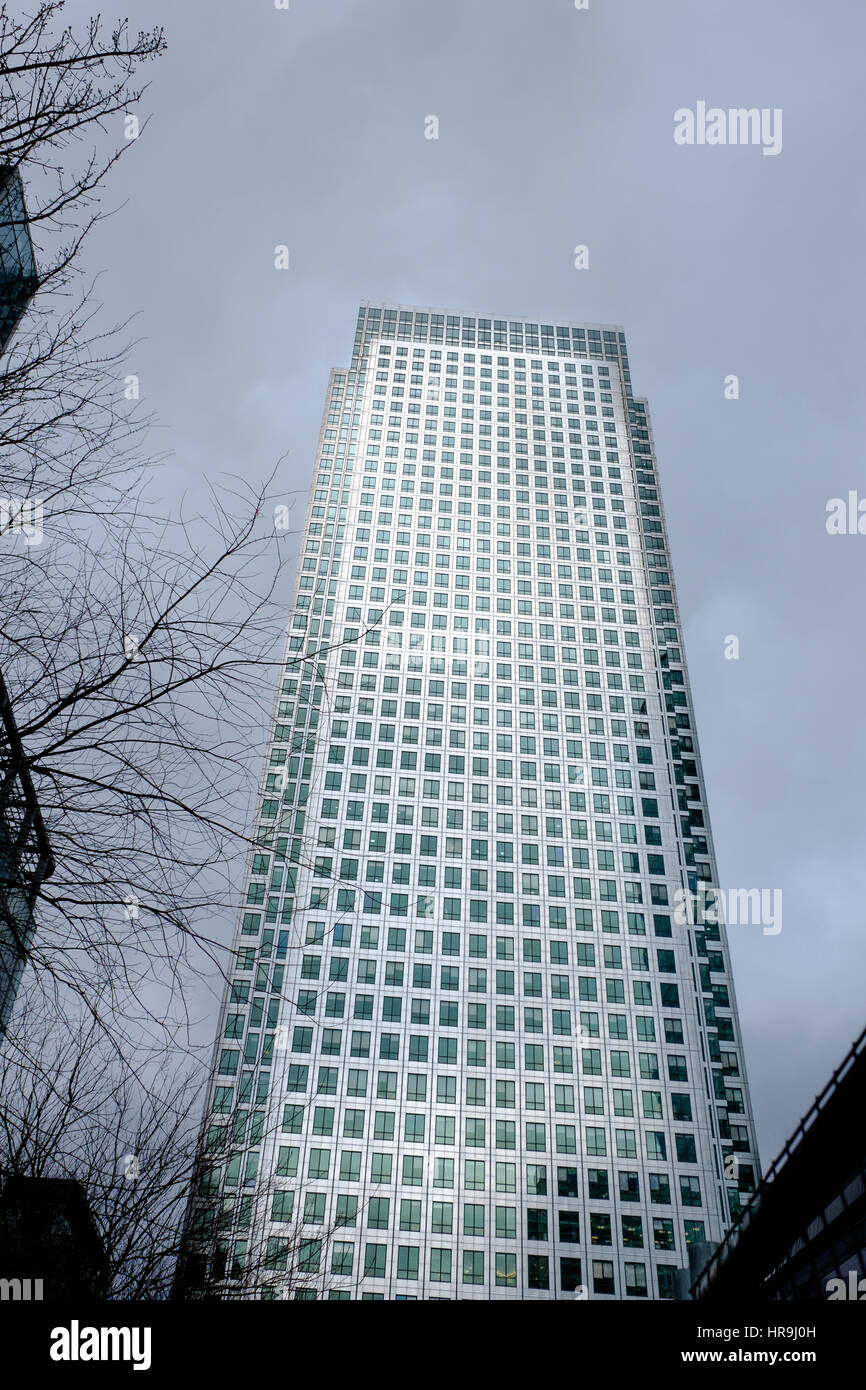 Number 1, Canada Squqre, Canary Wharf, London, one of the city's two financial centres. - Stock Image