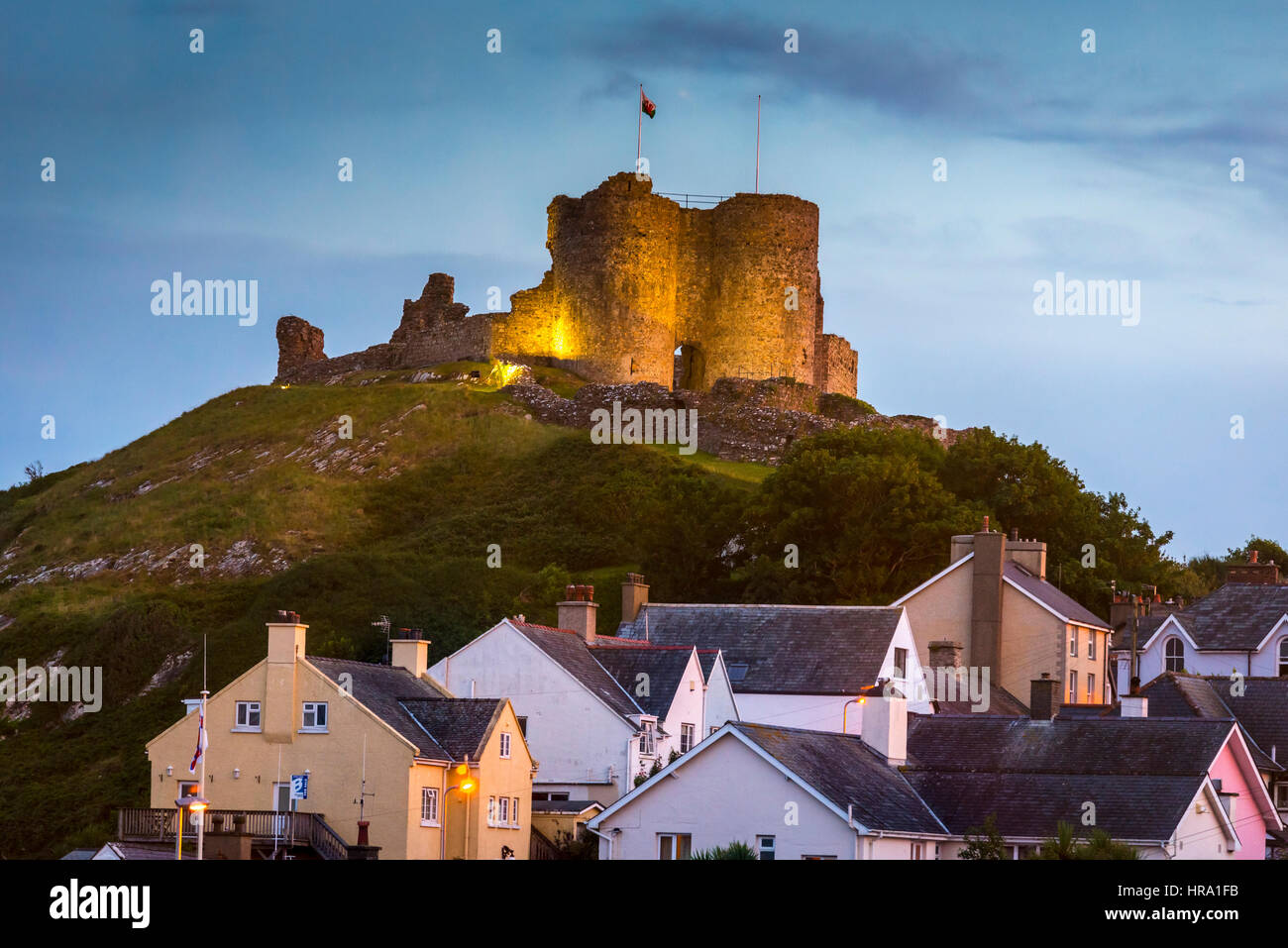 Criccieth castle at night. Floodlit. - Stock Image