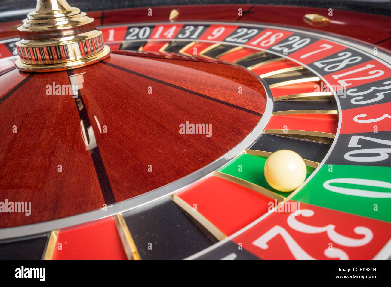 Casino Roulette Wheel stopped at zero - Stock Image