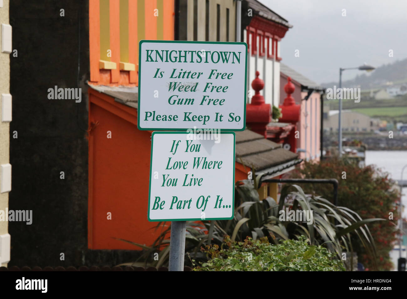 Signs about keeping Knightstown, Valentia Island, County Kerry, Ireland, tidy. Sign is on the main street looking - Stock Image