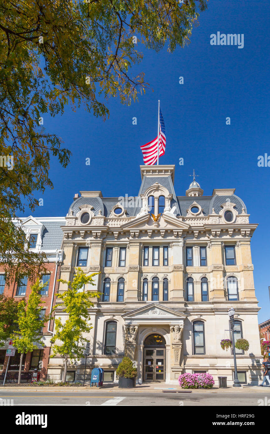 The Wayne County Courthouse building in Wooster, Ohio, USA. - Stock Image
