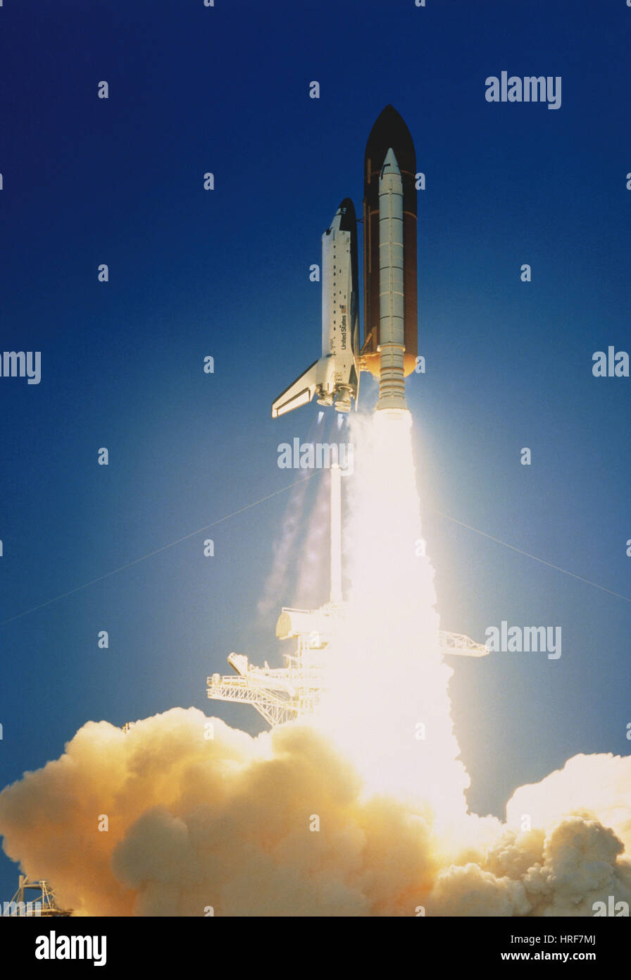 STS-41, Space Shuttle Discovery Launch, 1990 - Stock Image