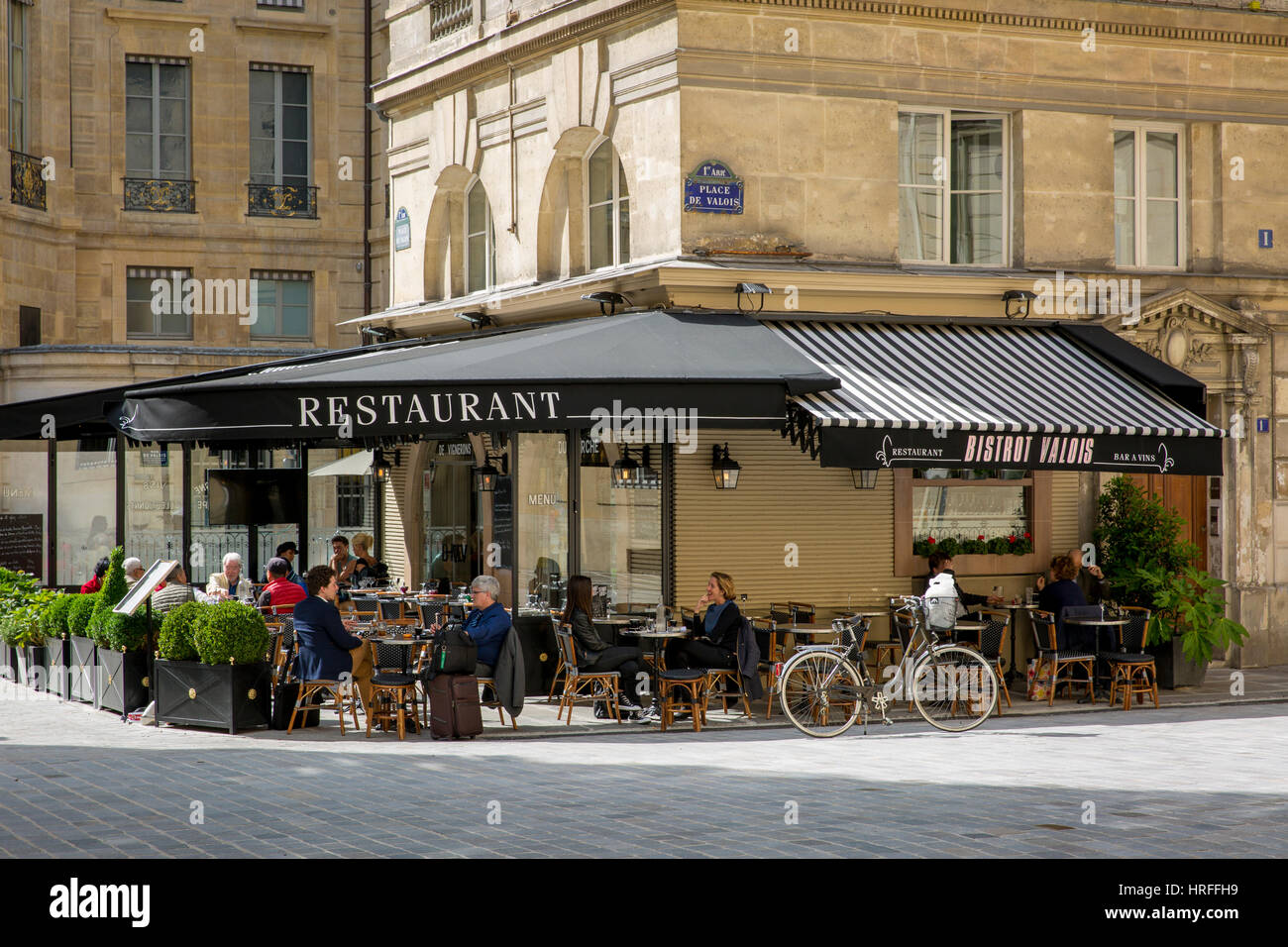 Bistrot Valois at lunchtime near Palais Royal, Paris, France - Stock Image
