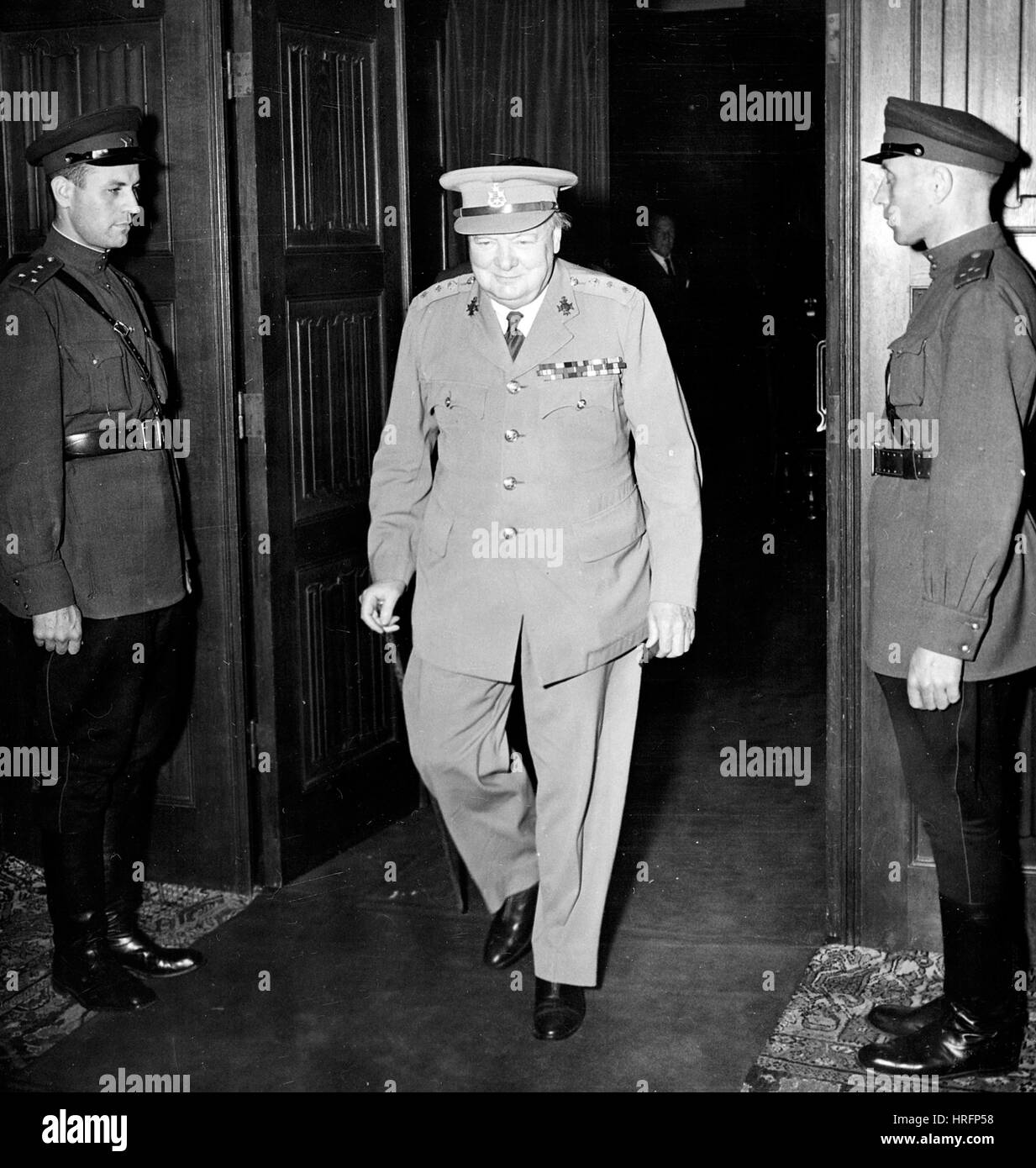 POTSDAM CONFERENCE 1945  Winston Churchill with two Russian guards - Stock Image