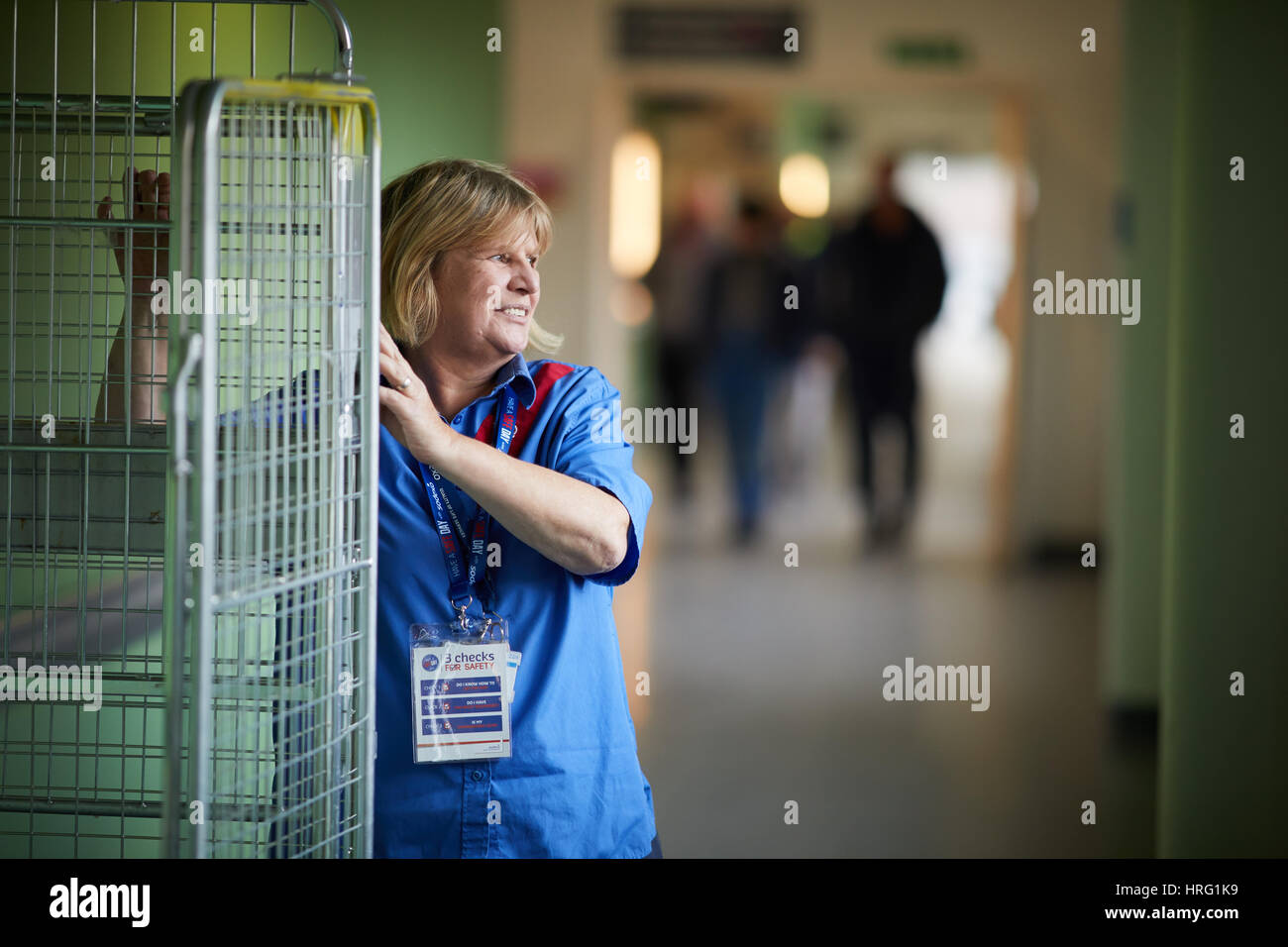 Sodexo porter corridor, interior, working, pushing,Sodexo, Stoke-on-Trent. Stoke University Hospital, Interior, Great - Stock Image