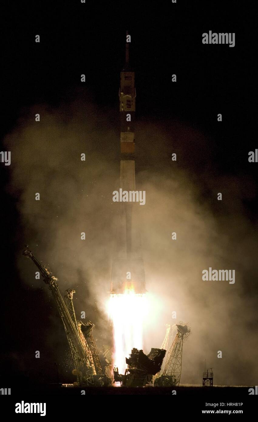 Expedition 16 Lifts Off - Stock Image