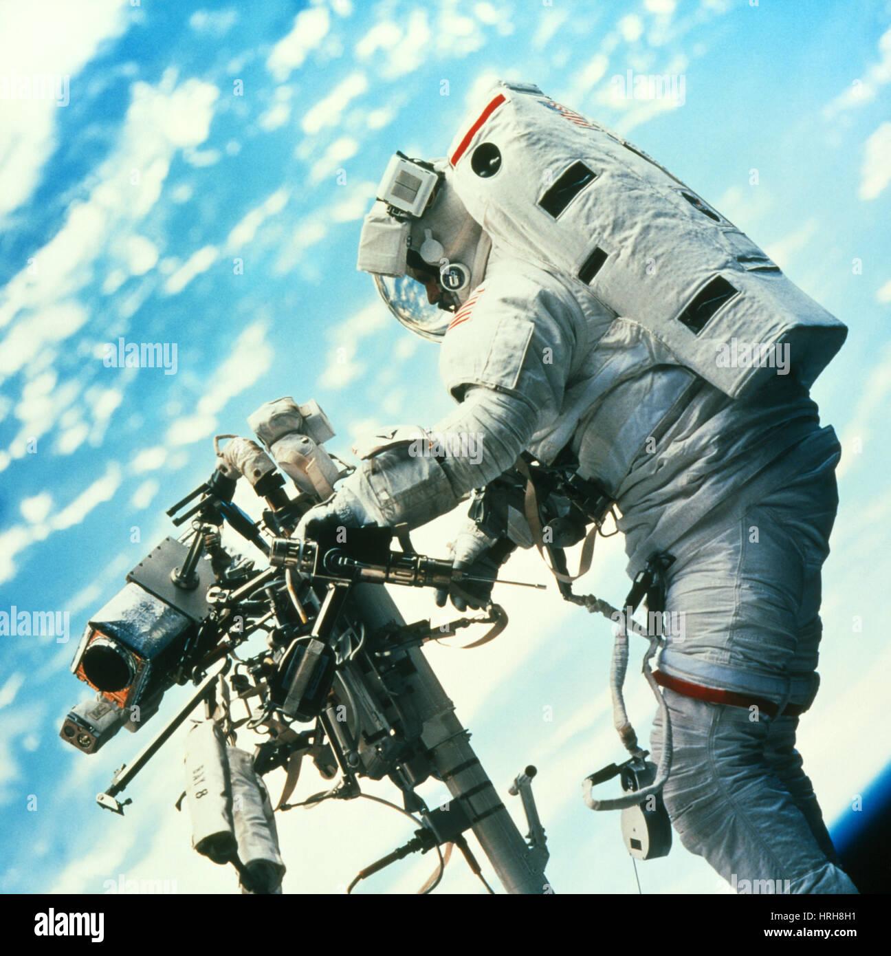 STS-103, Astronaut Smith Spacewalk, 1999 - Stock Image