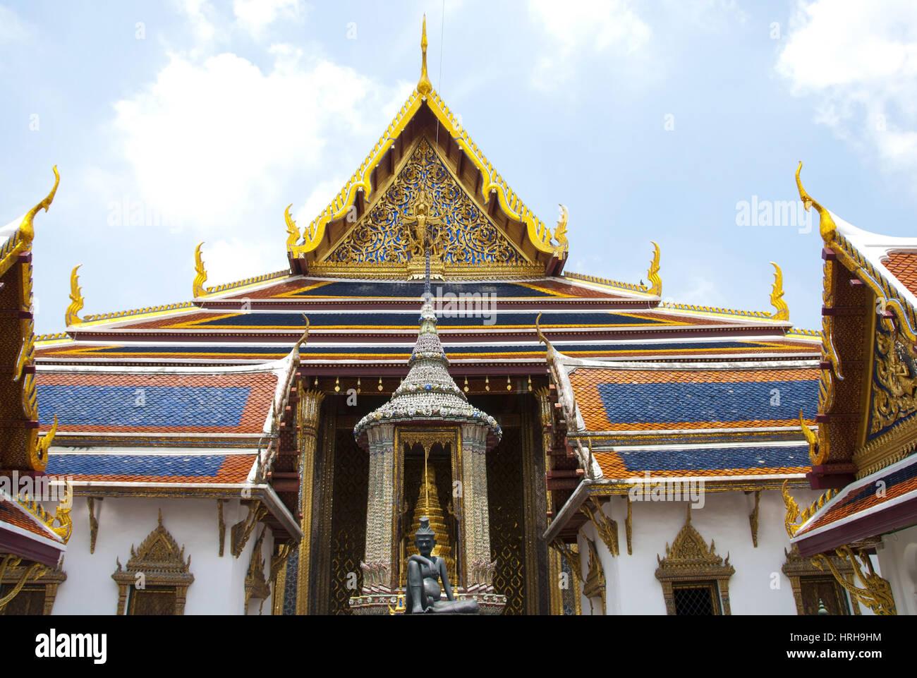 Buddhistische Tempelanlage, Wat Phra Kaeo, Bangkok, Thailand - Wat Phra Kaeo, Bangkok, Thailand - Stock Image