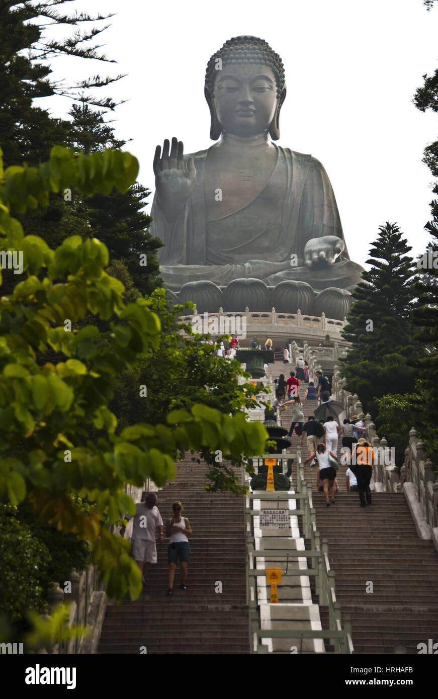 Tian Tan Buddha, weltgroesste sitzende Buddhastatue auf Lantau Island, Hongkong, China - Tian Tan Buddha, Lantau - Stock Image
