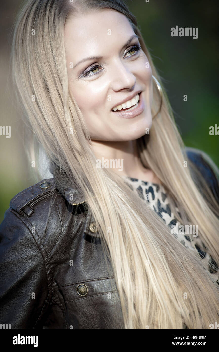Haarige blondinen