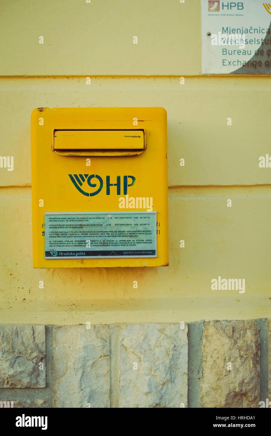 Kroatischer Briefkasten, Cres - Croatian post box Stock Photo