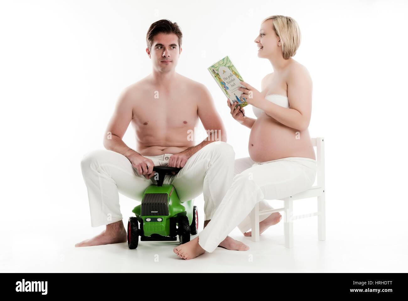Werdende Eltern, sehr verspielt - parents-to-be Stock Photo