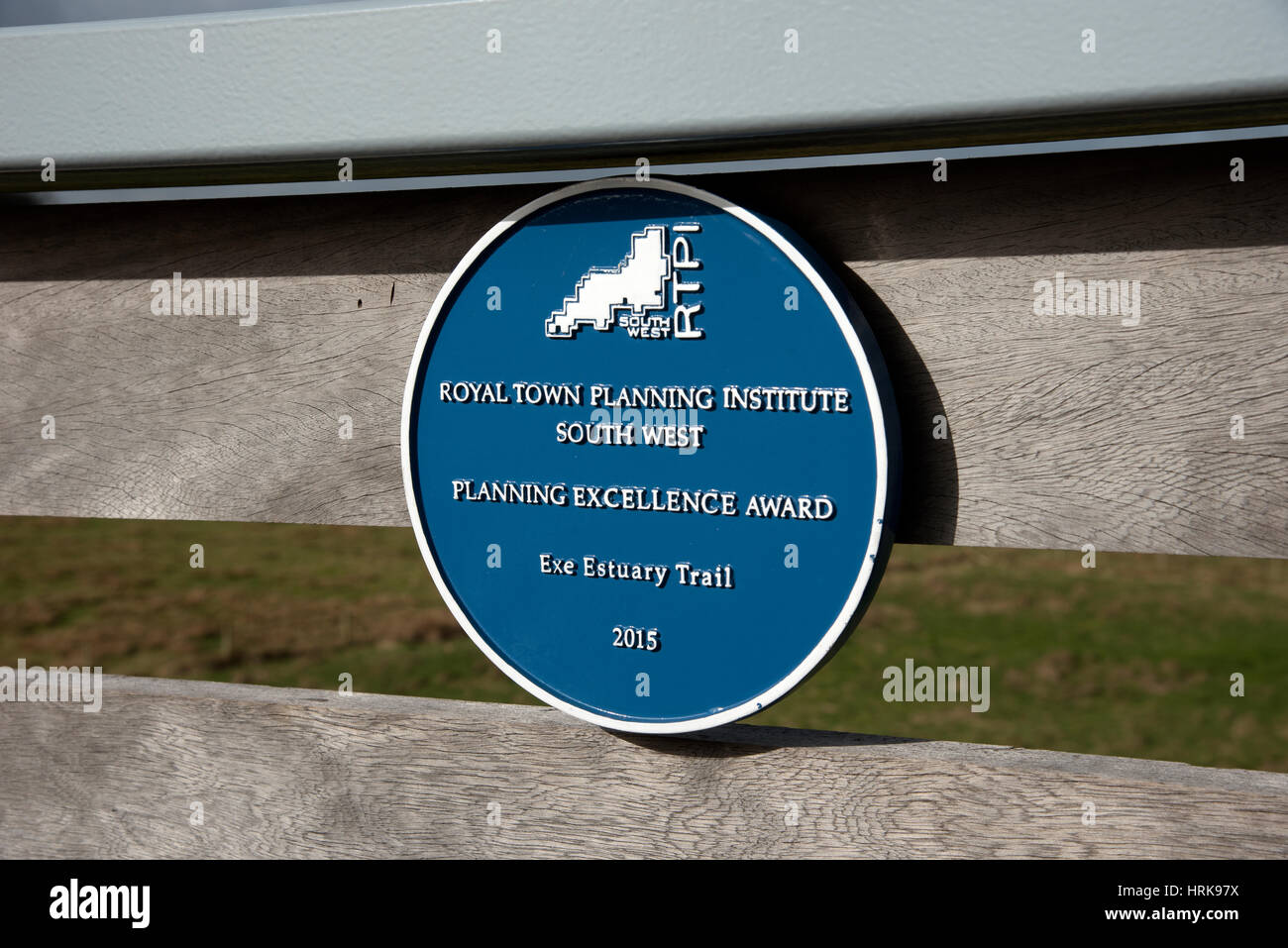 Planning Excellence Arad plaque on a footbridge on the Exe Estuary Trail for pedestrians and cyclists - Stock Image