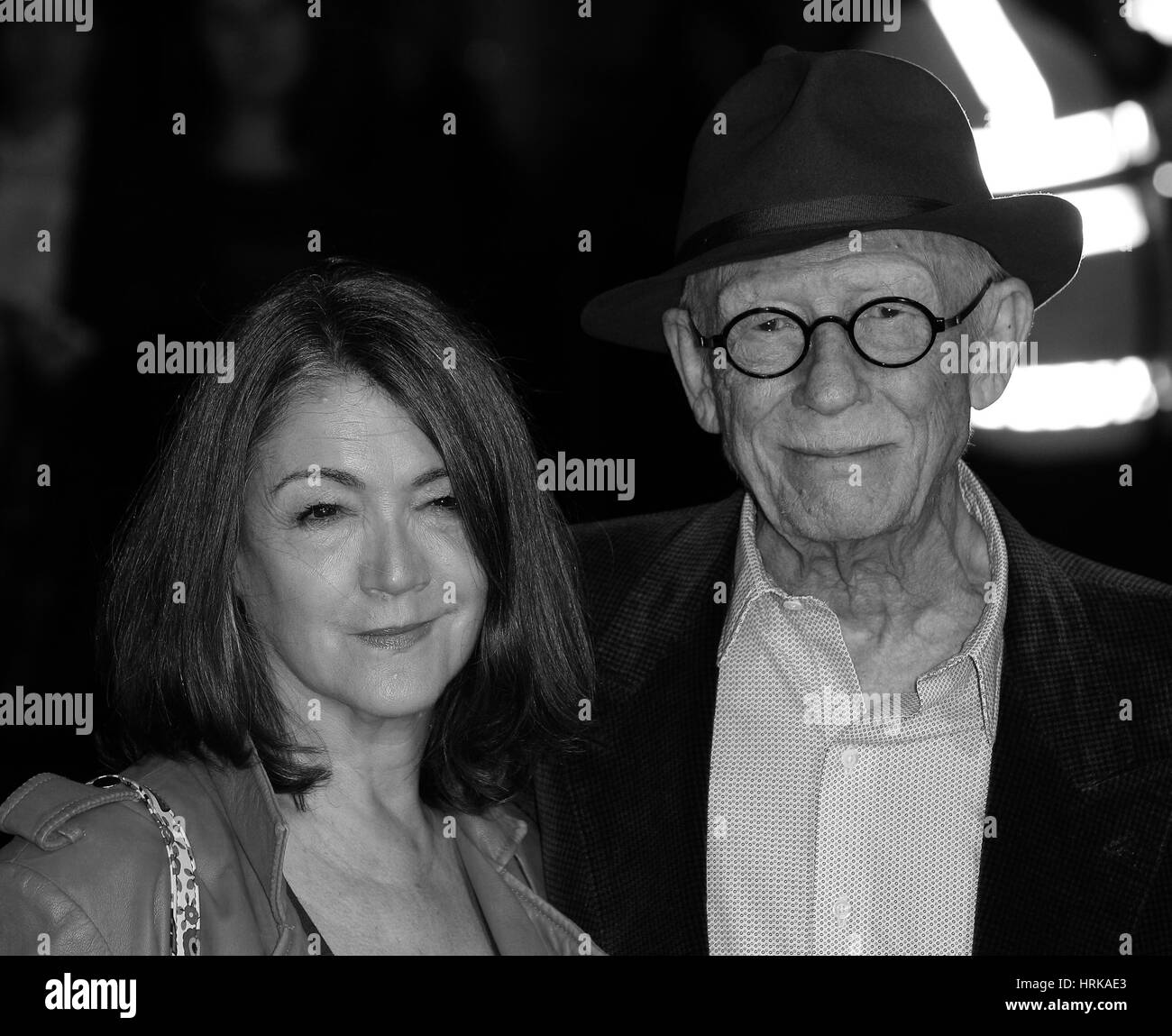 London, UK, 7th Oct 2015: John Hurt ( Image digitally altered to monochrome ) attends the Suffragette film premiere - Stock Image