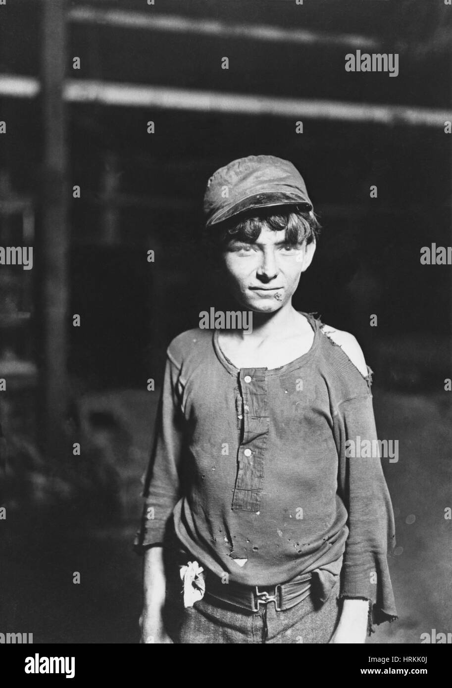 Glass Works Boy, Lewis Hine, 1908 - Stock Image